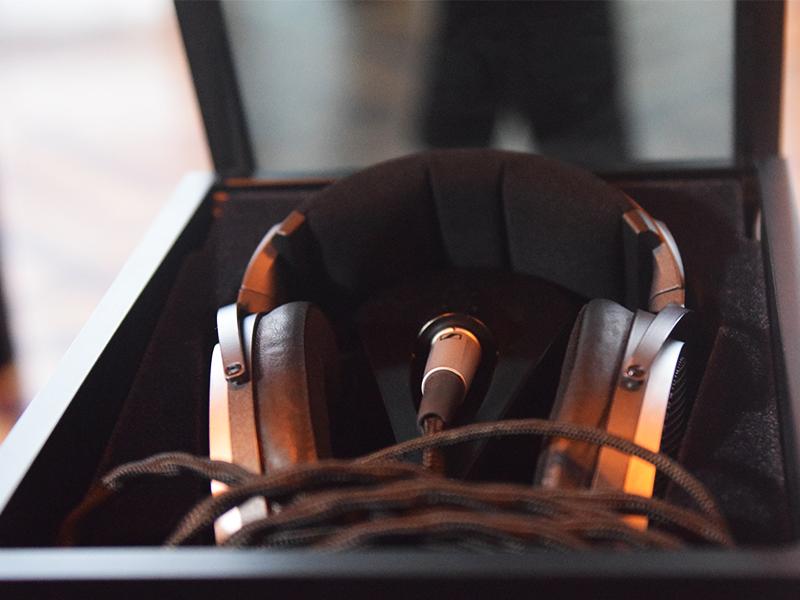 sennheiser, he1, momentum, bluetooth, headphones, earphones, nfc, handmic, clipmic, ambeo, headset, lazada, powermac, samsung, vlogger